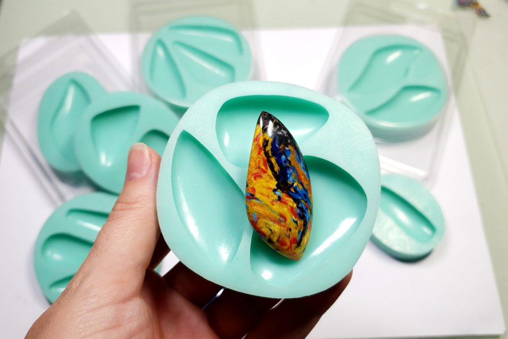 My new Stone Cabochon molds from Yaroslav's Molds 3