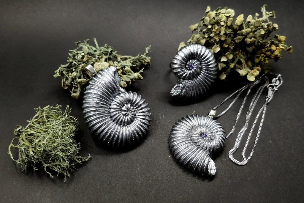 Product review: Molds&Powders Review. Jewelry with ammonites 11