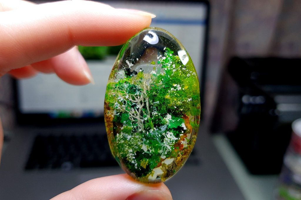 Free Tutorial: Faux Clear Stone - Moss Agate or Lodolite Quartz 7