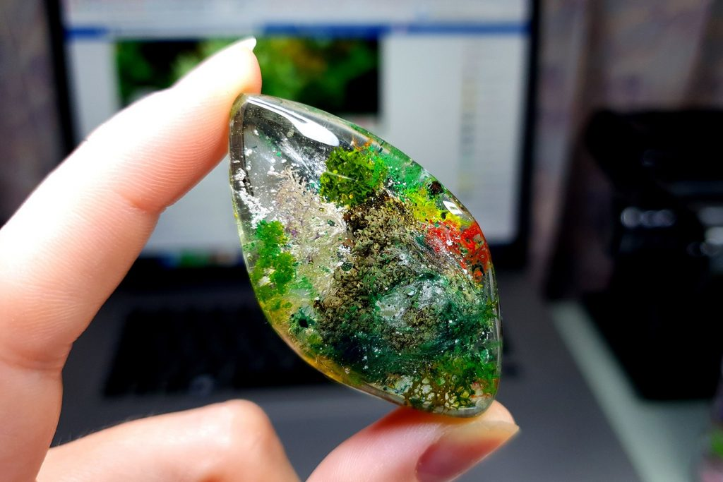 Free Tutorial: Faux Clear Stone - Moss Agate or Lodolite Quartz 6
