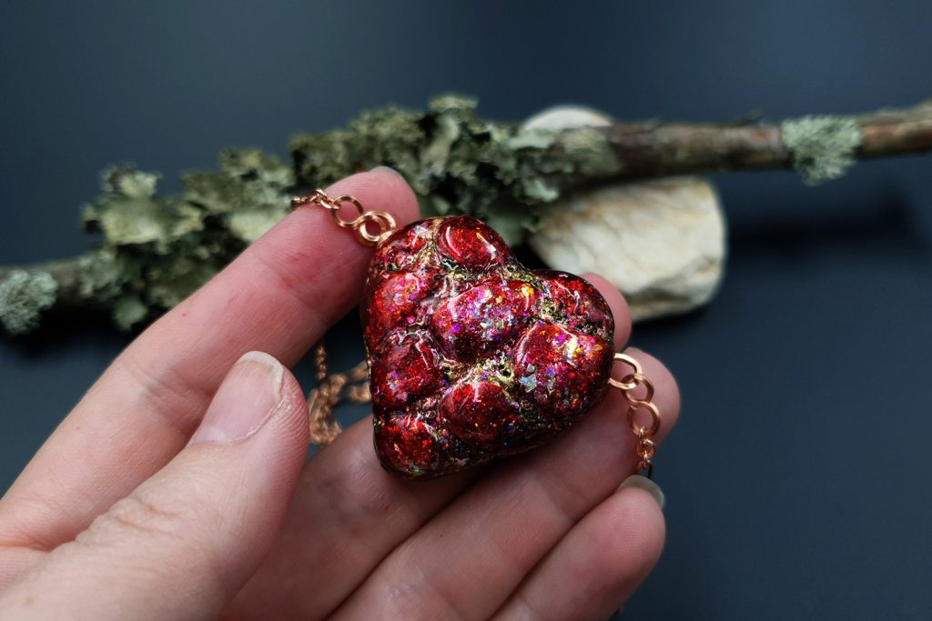 Free Tutorial: Valentine's Day Gift - LOVE Heart Pendant 8