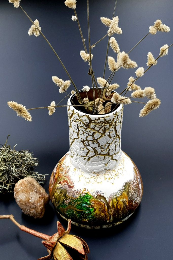Free Tutorial: Dendritic Acrylic Pouring on a curved baked vase 5