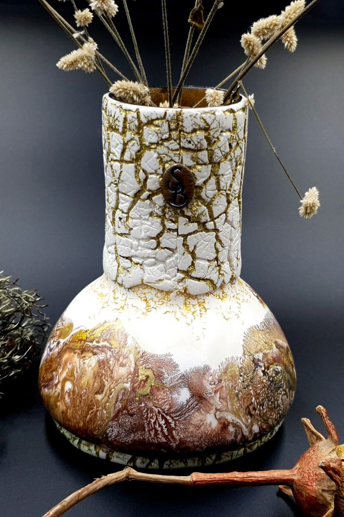 Free Tutorial: Dendritic Acrylic Pouring on a curved baked vase 4