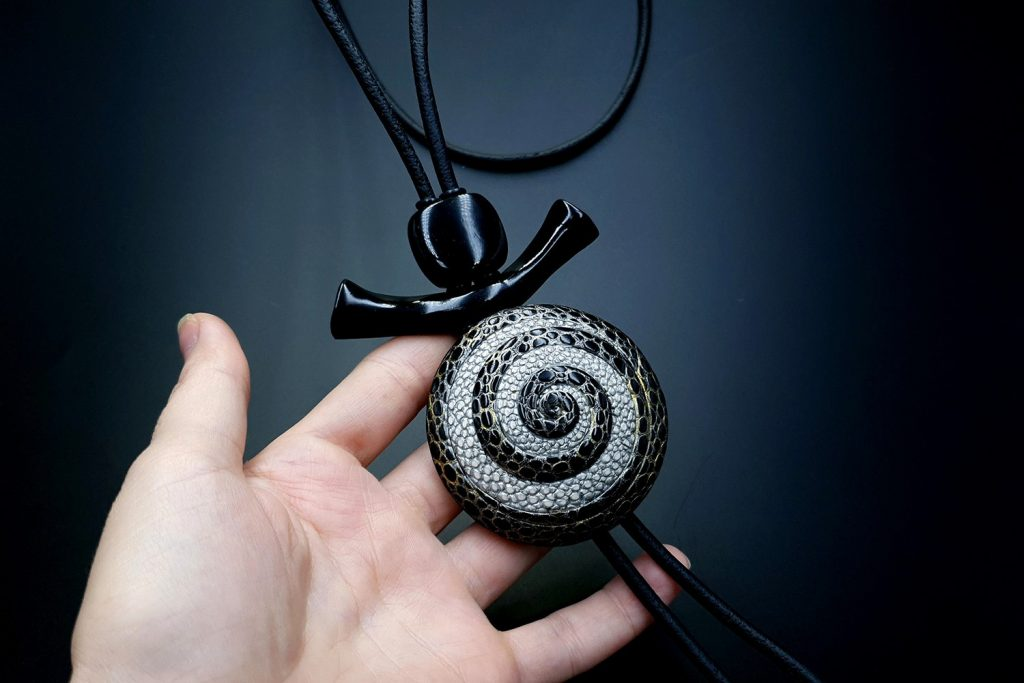 How to make: Focal Bead 4 styles - Textured Yin-Yang Swirl for Unusual Pendant 11