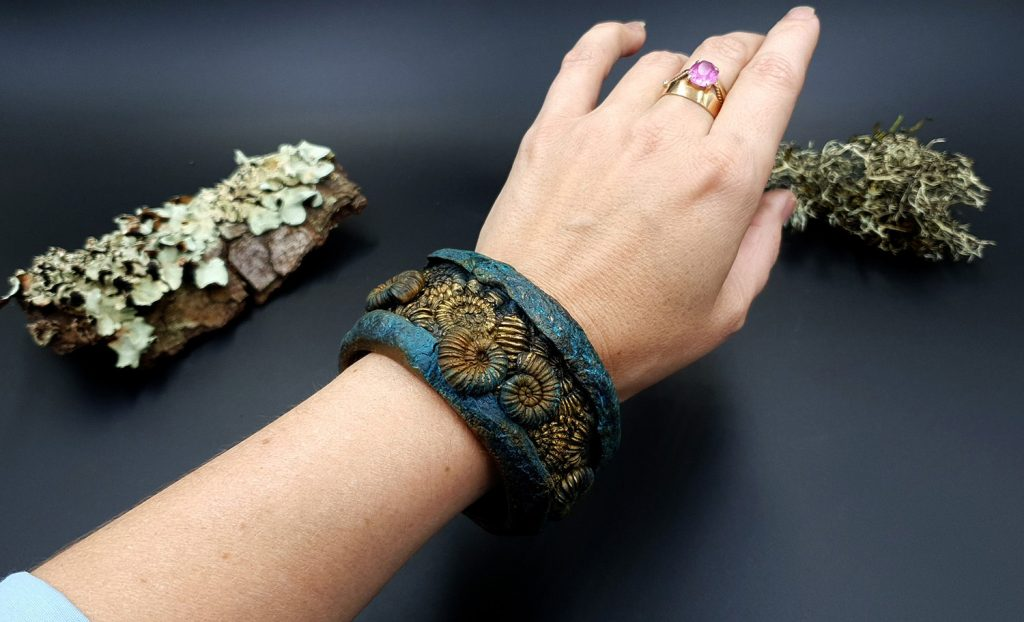 How to Make: Unique Bracelet Cuff with Faux Fossil Ammonites in Rock 6